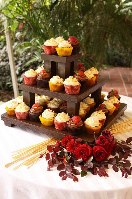 square wooden cupcake stand