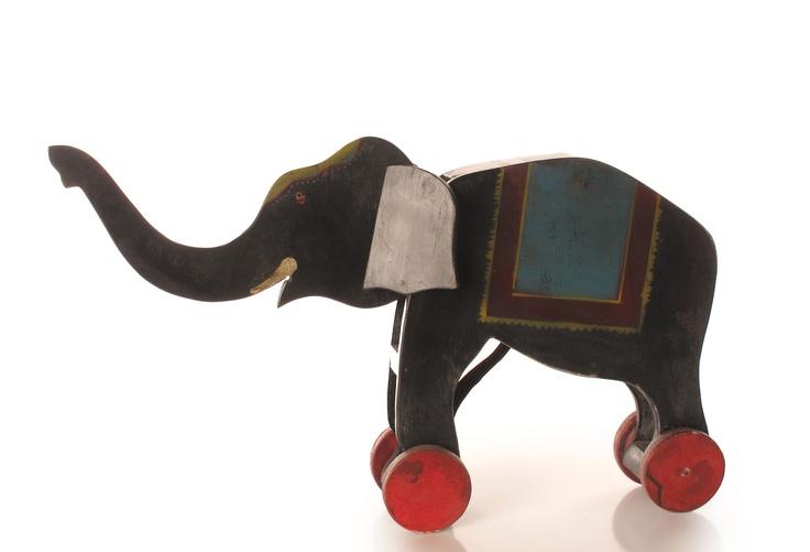 VINTAGE-INSPIRED Rolling Elephant, ZINGARO