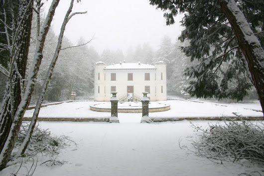 A Badde Salighes la neve di marzo su Villa Piercy e la tenuta inglese - Sardiniapost.it