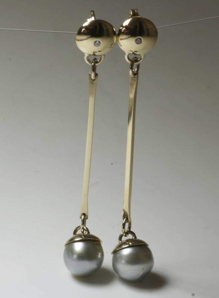 18ct, Diamond & Black Pearl Earrings  www.jeremyleeming.com