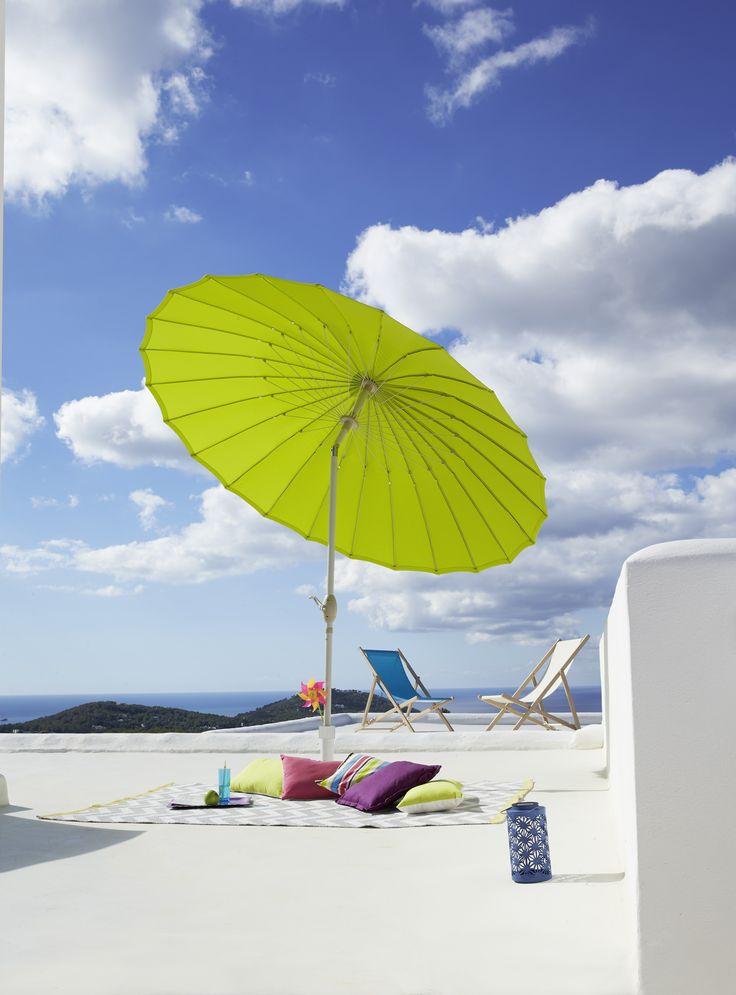 Les 157 meilleures images du tableau ambiances jardin terrasse balcons sur pinterest - Parasol plage carrefour ...