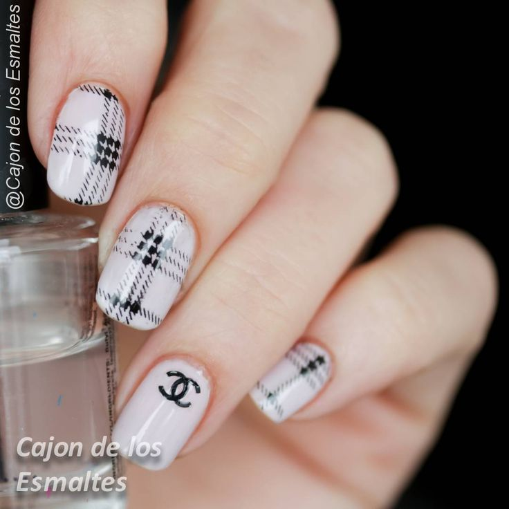 Chanel nail design art