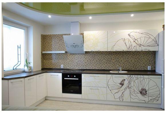 Кухня Минскдрев с декоративным рисунком