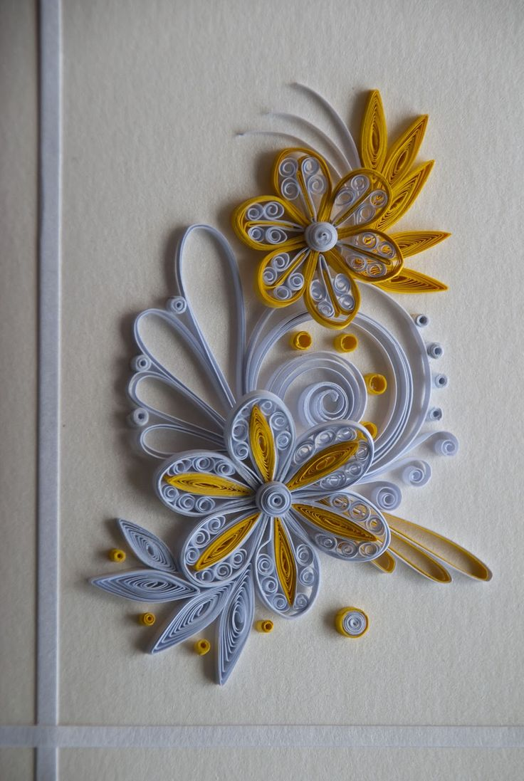 Neli quilling card flowers white and yellow quilling for Paper quilling designs