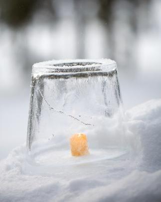 Islykta (Ice Candle). Enkelt julpyssel! Instruktioner: http://www.juligen.se/julpyssel.php?sid=00174