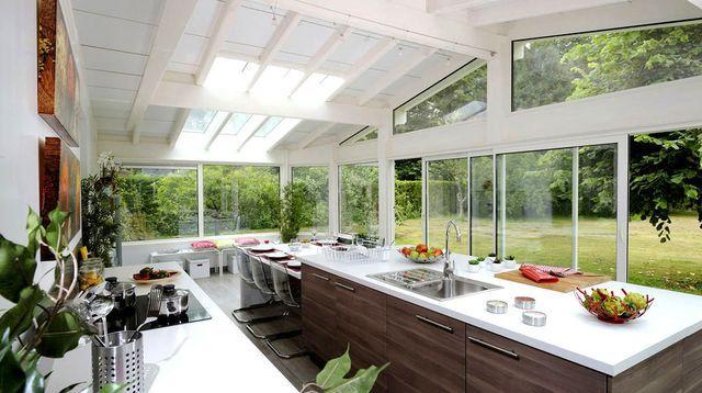 Faire une cuisine dans sa véranda : ce qu'il faut savoir
