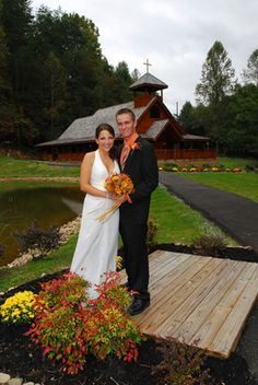 17 best images about smoky mountain wedding on pinterest for Www cabins of the smoky mountains com