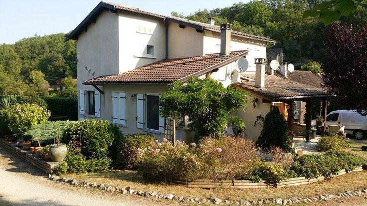 Mooi Ruim Huis met Tuin,Garage, Buitenterras in Lief Dorpje€239000