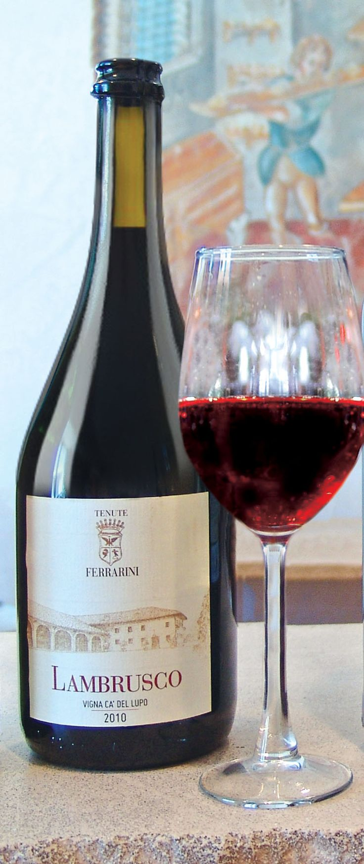 Ferrarini Lambrusco is a bright, vibrant, medium-bodied red brimming with aromas and flavors of bright blueberry, brambly blackberry and tart cherry with a crisp, nutty, and long-lasting finish.