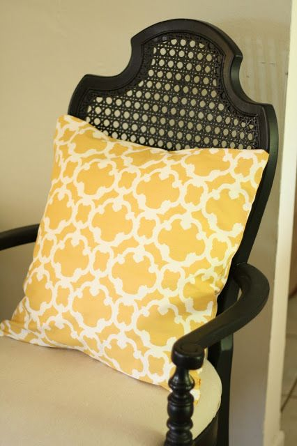 how to make pillows out of napkins! Only $5.00 a pillow