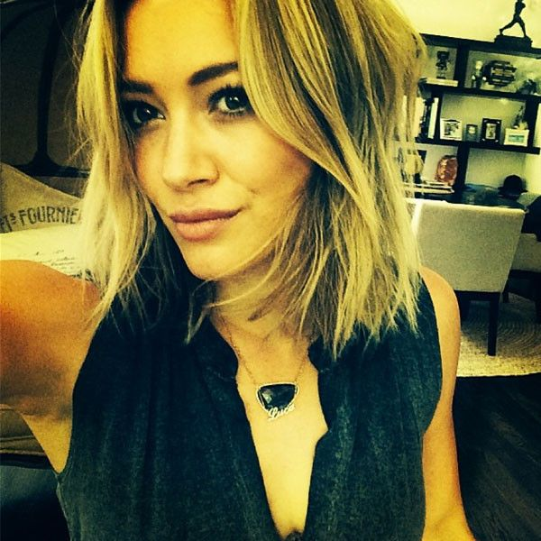 Hilary Duff Chops Off Her Hair?See the Pics!   E! Online Mobile