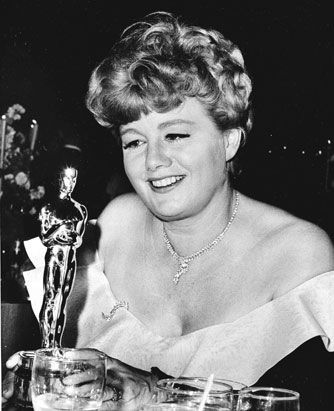 """Shelley Winters - Best Supporting Actress Oscar for """"A Patch of Blue"""" 1965"""