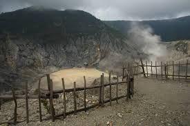 Paket Wisata Gunung Tangkuban Perahu
