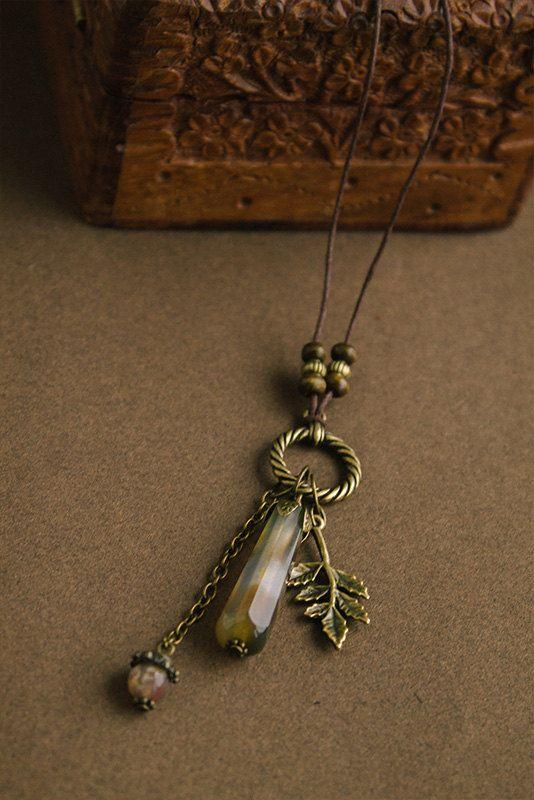 The Autumn leaf fall pendant with agate
