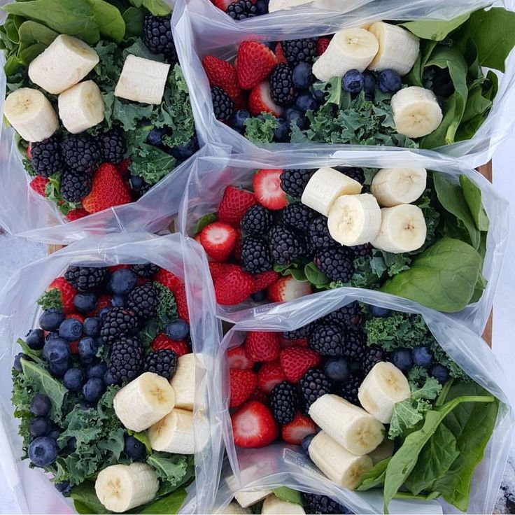 """""""{Green Smoothie Prep Packets} By @cleanfoodcrush . And how to """"find """" more time each day 7 Days of Pre-made, drop into the blender-Green Morning…"""""""