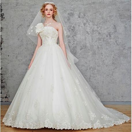 Wedding Costume HIROTA●HIROTAグループ■桂由美ブランド■花嫁様必見!!王道のプリンセスラインでとびっきりキュートに!|ウエディングドレスを探す|ゼクシィ