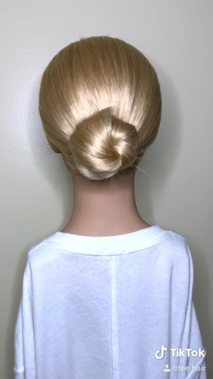 Hairstyles Videos Tutorials Easy Bun In 2020 Bun Hairstyles Hair Styles Bun Hairstyles For Long Hair