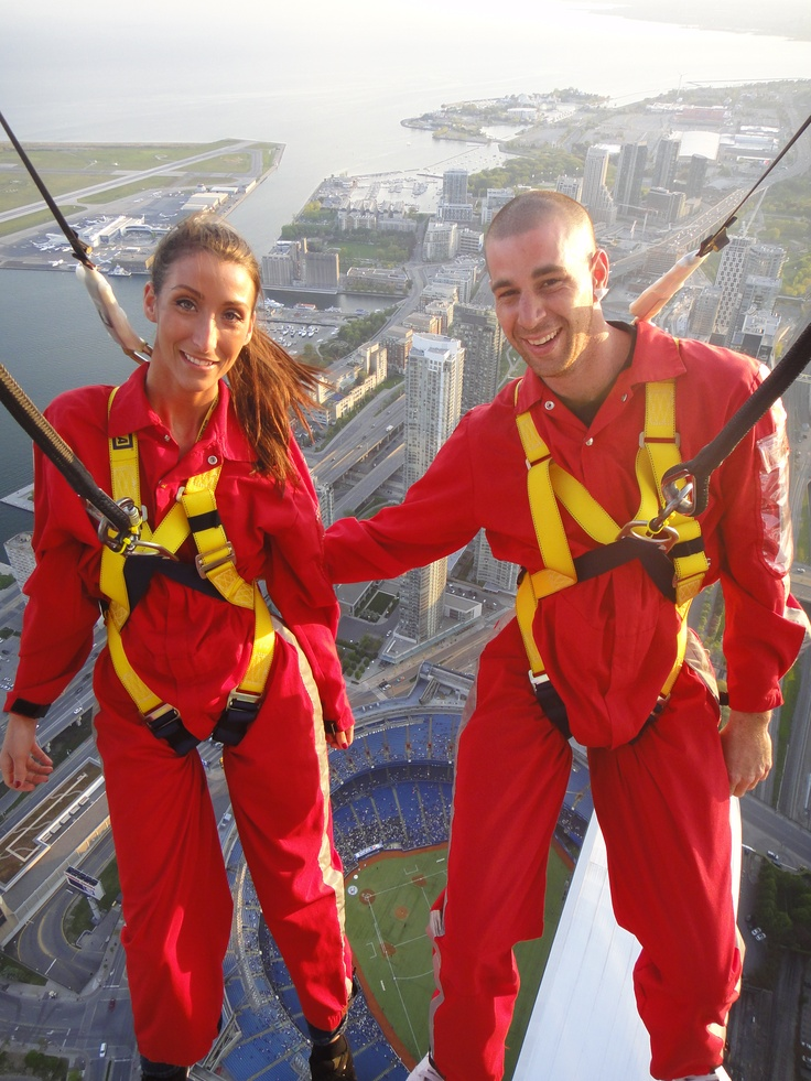Great view of the Blue Jays game from EdgeWalk! / Superbe vue du match des Blue Jays de L'HAUT-DA CIEUX (These are a couple of Torontonians who love to socialize :)