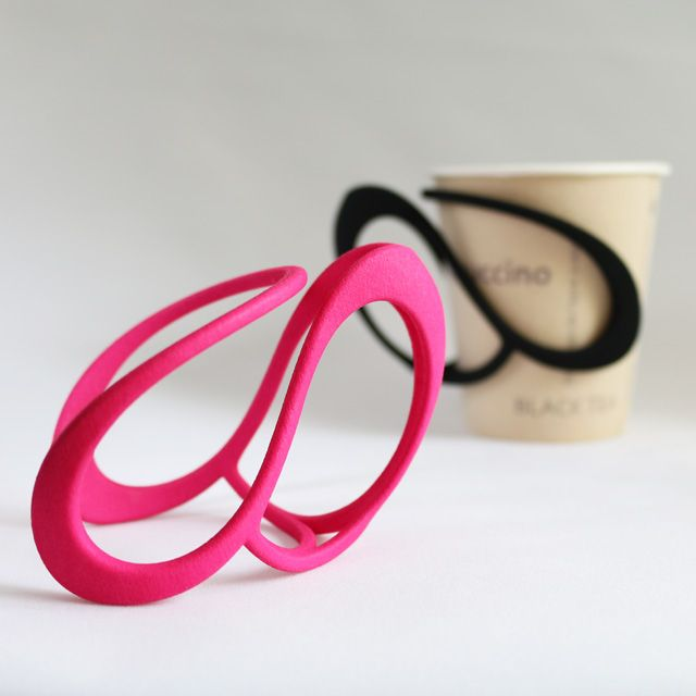 3D printed cup holder. Designed not only for the healthy person but also for people with a loss in functioning.