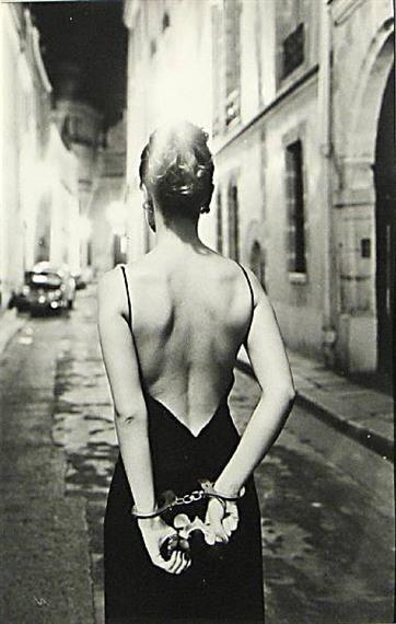 CHLOÈ, PARIS By Helmut Newton www.fashion.net