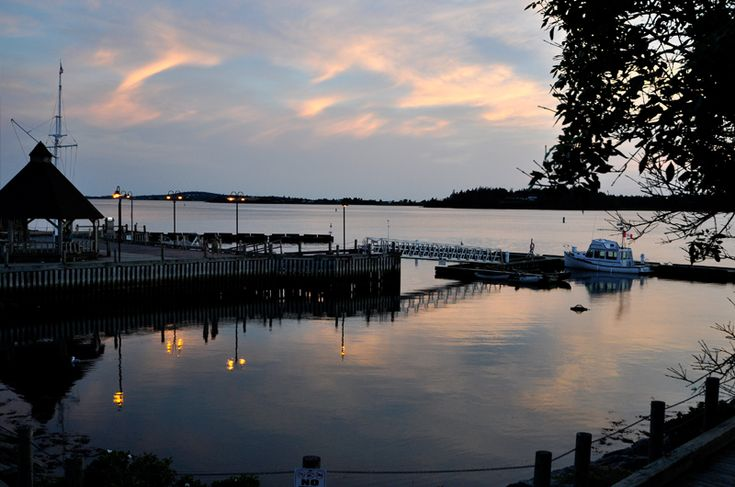 Yarmouth Waterfront and Road to Bunker Island — 5km waterfront trail in Yarmouth, Nova Scotia