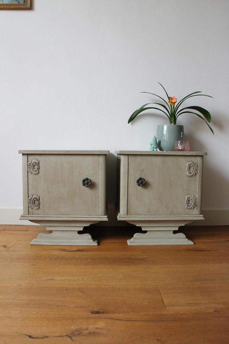 Pair of bedside tables in grey rustic chic style door KijkMaris op Etsy