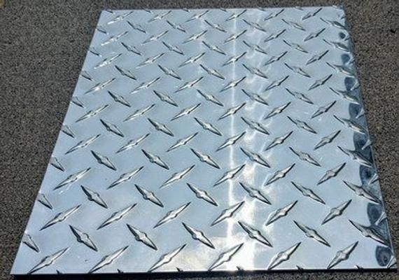 Aluminum Diamond Plate Tread Brite 8 X 11 3003 063 16 Gauge Chrome Checkerplate Checker Treadplatealuminum Tread Dur Diamond Plate Aluminum Free Plates