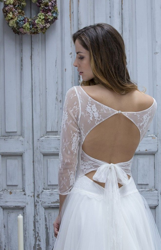 Robe de mariée dos nu à nouer et dentelle , Collection Marie Laporte 2014 , modèle