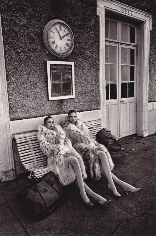 travel in style.......Jeanloup Sieff for Vogue Paris, 1978.