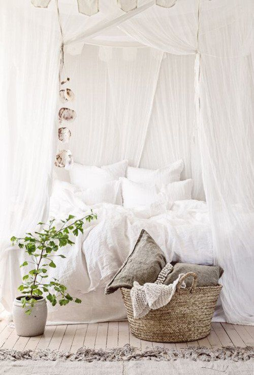 Light airy looking all white canopy bed || @pattonmelo