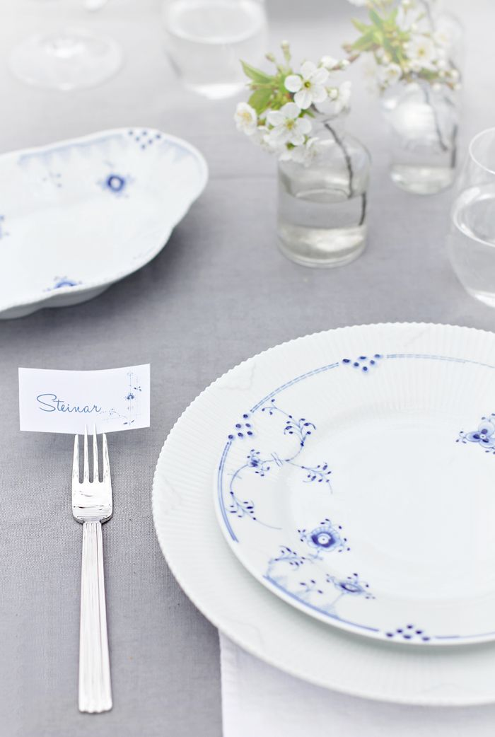 Beautiful Royal Copenhagen Blue Elements summer table.