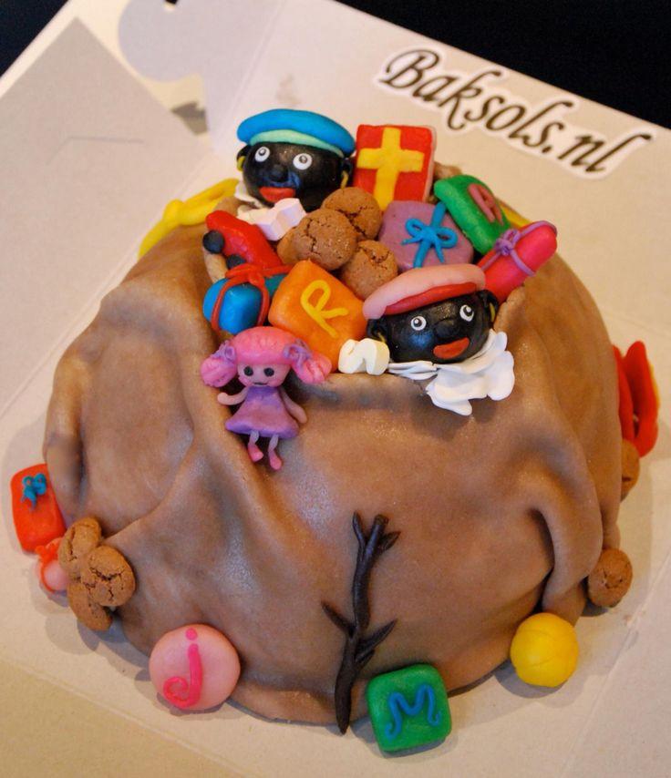 Sinterklaas, Zwarte Piet, Sint, Piet, 5 December, cadeaus, strooigoed, snoep, Zak van Sinterklaas taart, cake, Homemade by Baksols