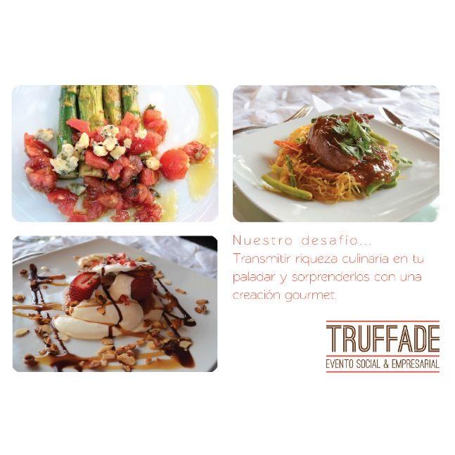 Para la selección de tus platillos, trabajamos con tus ideas, de acuerdo a olores, sabores, colores y estilos, diseñando y elaborando un proyecto singular y único... Cada banquete es una creación gourmet.