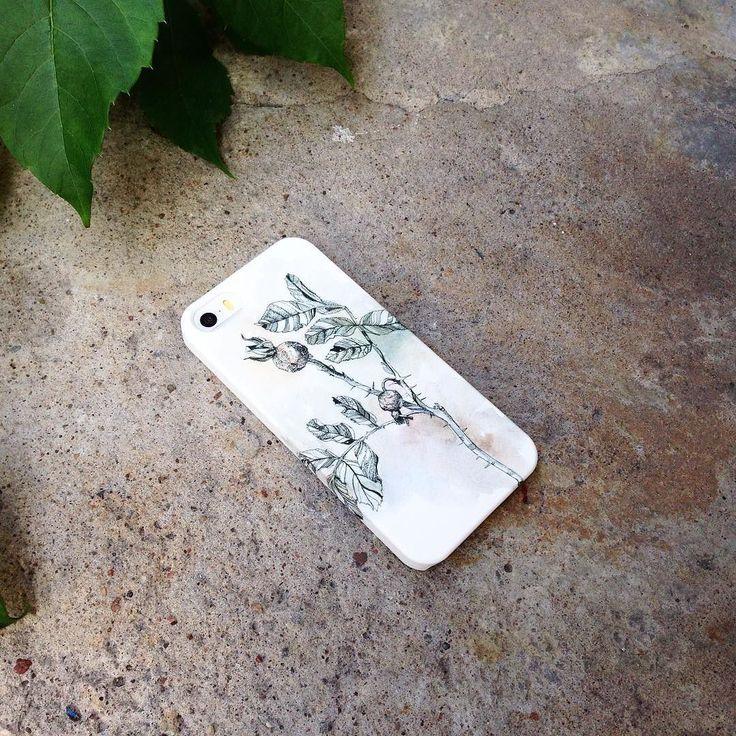 Такой графичный и нежный Шиповник для #айфон5. Для других телефонов принт можно отыскать на Hipoco.com по названию Автор рисунка @anastasiakolbina. 1500- #hipoco #hipocoflowers #art#sketch#шиповник#цветок#растение#иллюстрация#чехол#кейс#чехолнаайфон#айфон6#айфон6плюс#рисунок#лето#иллюстратор#iphonecase#iphone6s#iphone5#iphone6plus#illustration#flowers#flower#summer#graphics#графика#принт#скетс#искусство hipoco.com