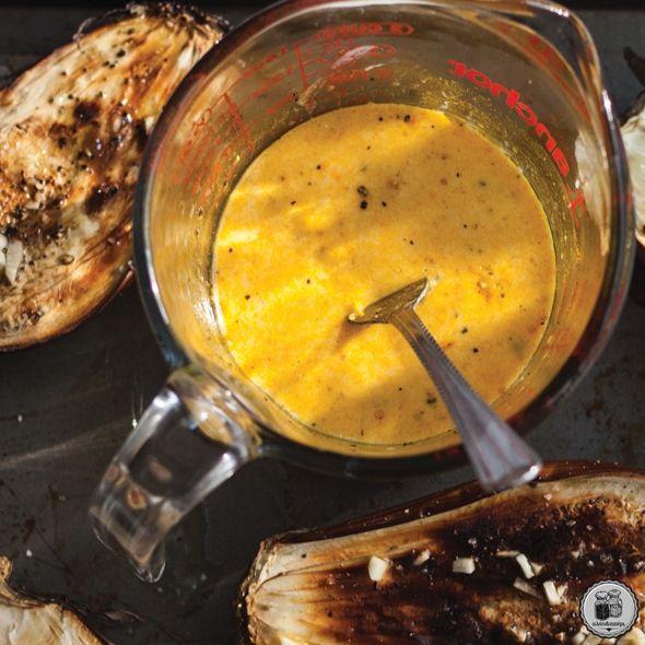 Ας φτιάξουμε σάλτσα γιαουρτιού με κάρι & πάπρικα