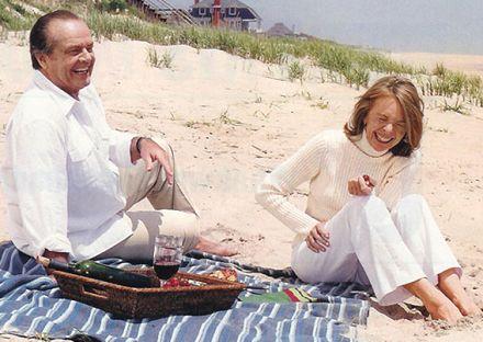 Jack Nicholson and Diane Keaton in Something's Gotta Give (2003)... having a beach picnic in the Hamptons: http://beachblissliving.com/beach-picnic-ideas-inspiration/