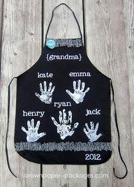 DIY Christmas Gift Idea ~ Handprint Apron... grandma's would love this!