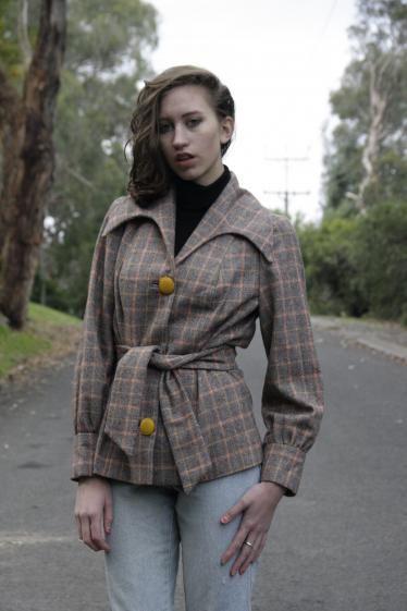Round She Goes - Market Place - 1970s retro tweed jacket
