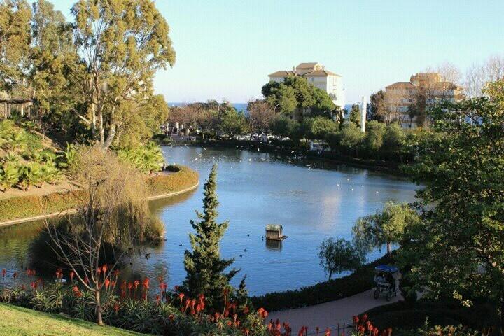 Lago del parque La Paloma de Benalmadena