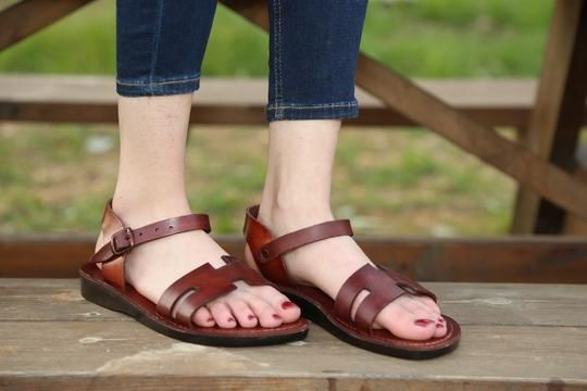 302e9151cd87 buckle strap sandals made by a leather upper layer