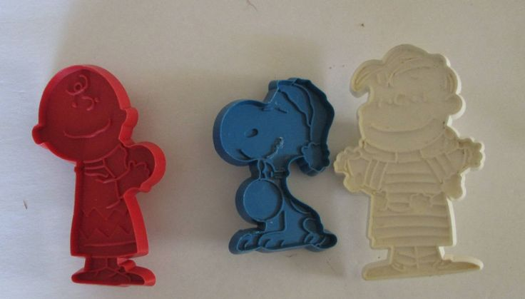 Three Vintage Peanuts Cookie Cutters Snoopy Linus Charlie Brown by RetroExchange on Etsy