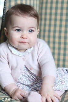 Princess Charlotte looks like Prince William in Kate Middleton's new photos | Daily Mail Online