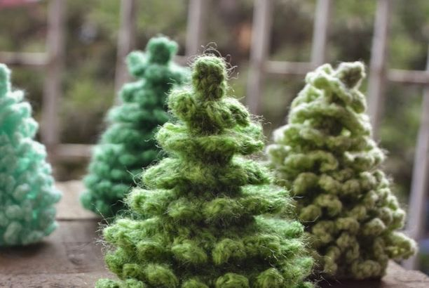 Crochet Christmas Tree - free pattern