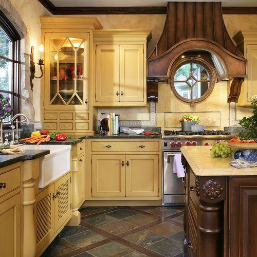 Foto de cocina comedor en L tradicional grande con