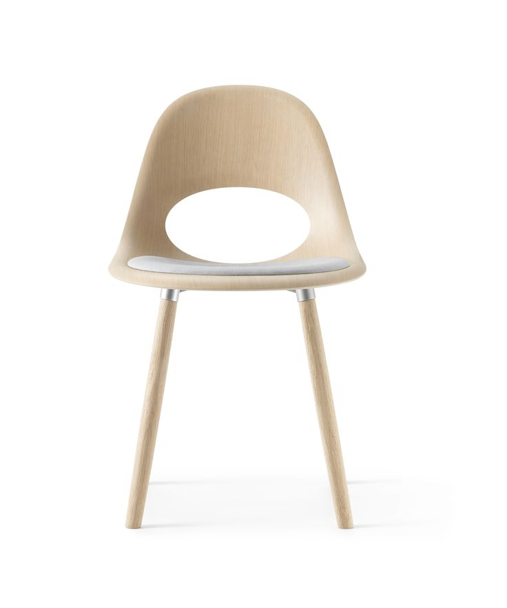 This beautiful seat padded SayO Chair in raw wood with and with wood legs seen from the front. May be acquired with different types of wood veneer. Find out more at www.sayo.dk.