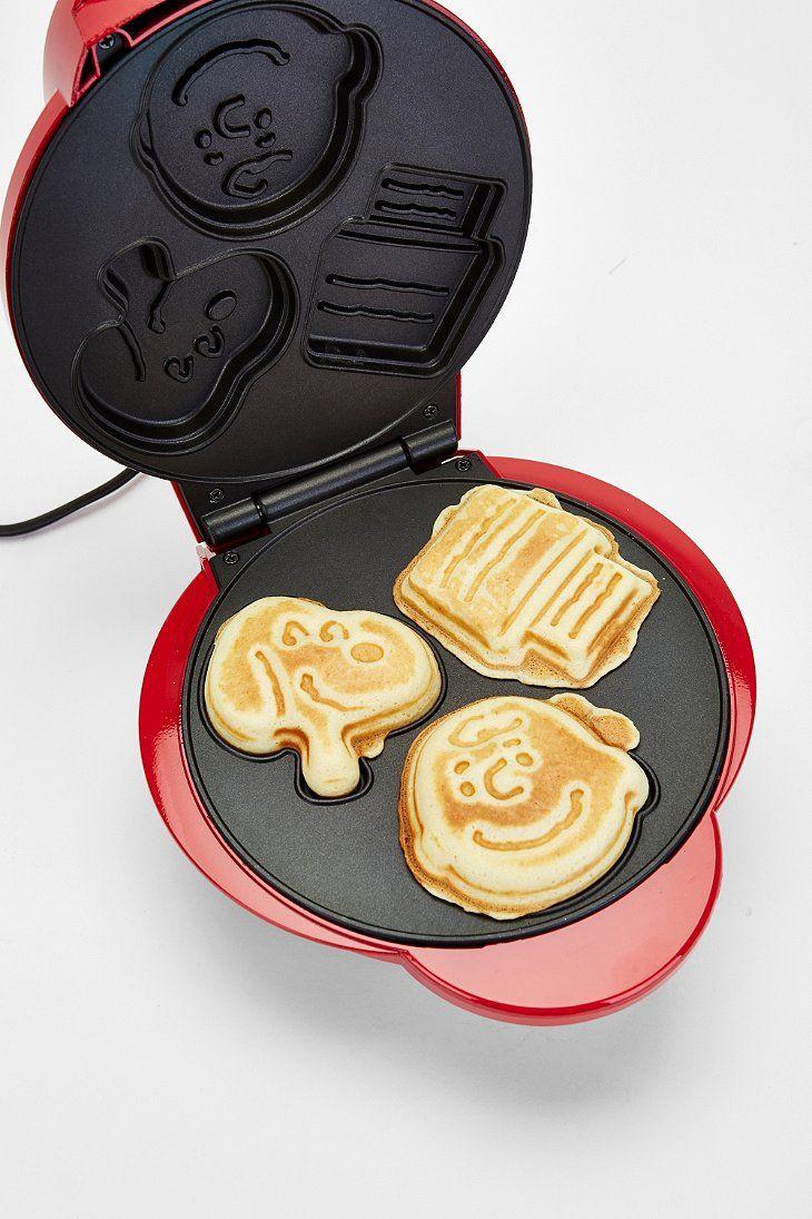 Snoopy Waffle Maker