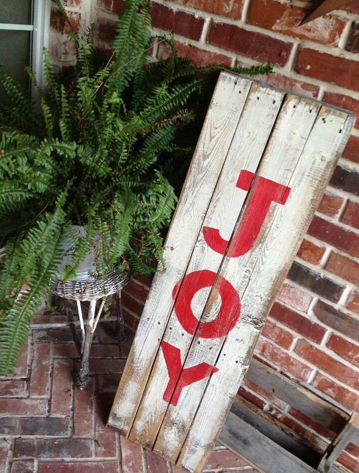 Best pallet christmas images on pinterest merry