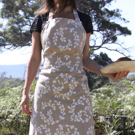 Apron in Lilly Pilly Design