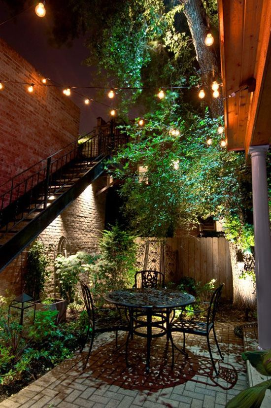 9 Stunning Ideas for Outdoor Globe String Lights | Cafes ...