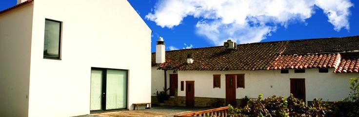Exterior da Casa da Mestra em Gimonde - Bragança